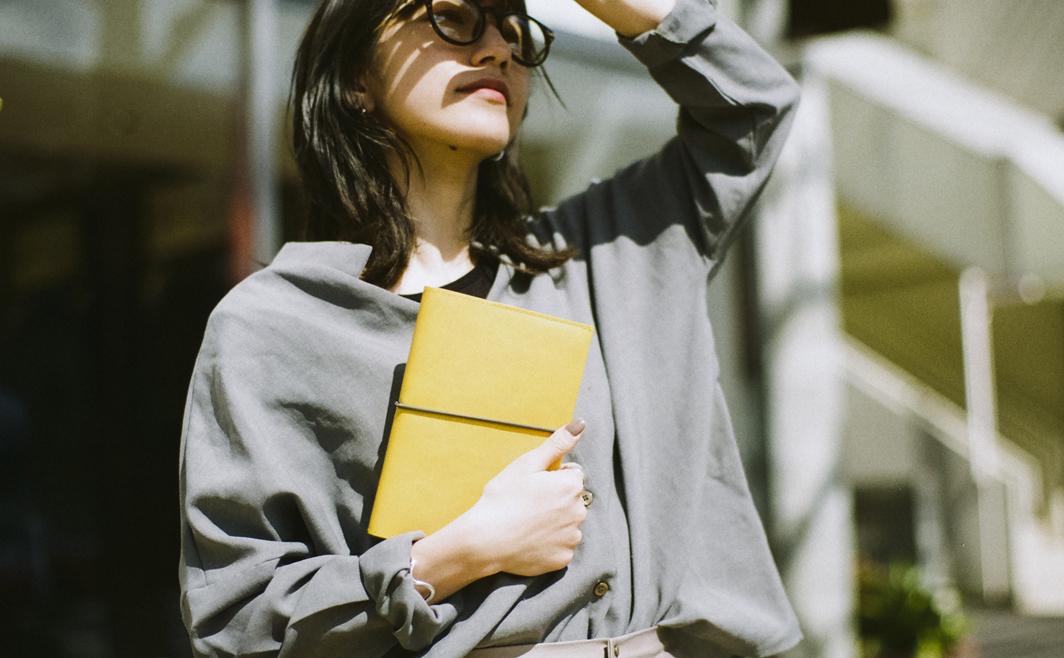 ・STUDY PLANNER<br />  日経トレンディ「2018ヒット商品ベスト30」29位受賞<br />  ロフト手帳大賞 学生手帳部門1位受賞<br />  https://hello-iroha.com/study_planner/<br /> <br /> ・SUNNY SCHEDULE BOOK<br />  https://hello-iroha.com/schedulebook/sunny/<br /> <br /> ・LITTLE CLOSET 2018AM/2019SS<br />  https://hello-iroha.com/smartphone_case/little_closet/<br /> <br /> ・おまもる<br />  https://hello-iroha.com/item/omamoru/<br /> <br /> ・大人の交換ノート<br />  https://hello-iroha.com/koukan_note/